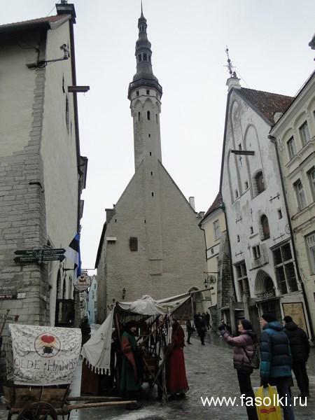Таллинская ратуша — единственная сохранившаяся в Северной Европе ратуша в готическом стиле. Датируется 14 веком