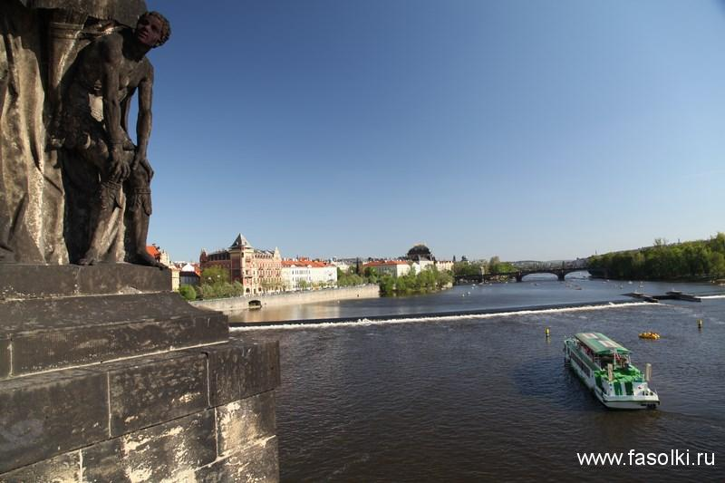 Вид на Влтаву с Карлова моста