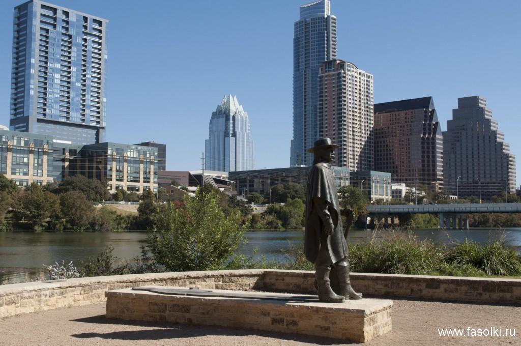 Статуя Стиви Рэй Вона в Остине, Техас