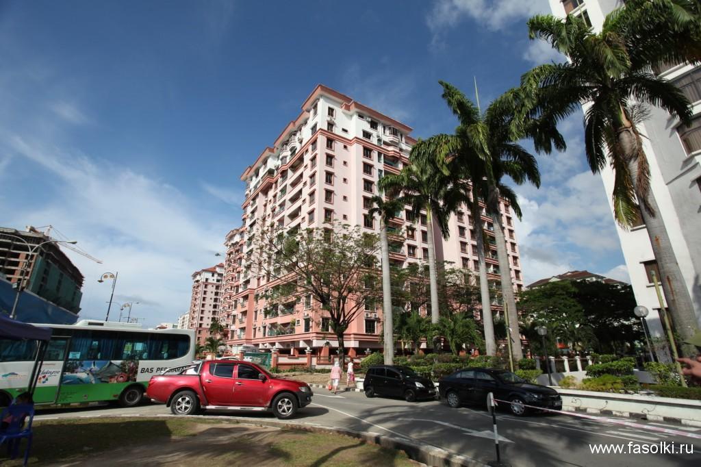 Кондоминиум Marina Court Resort