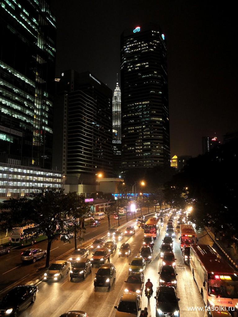 Ночной Куала-Лумпур