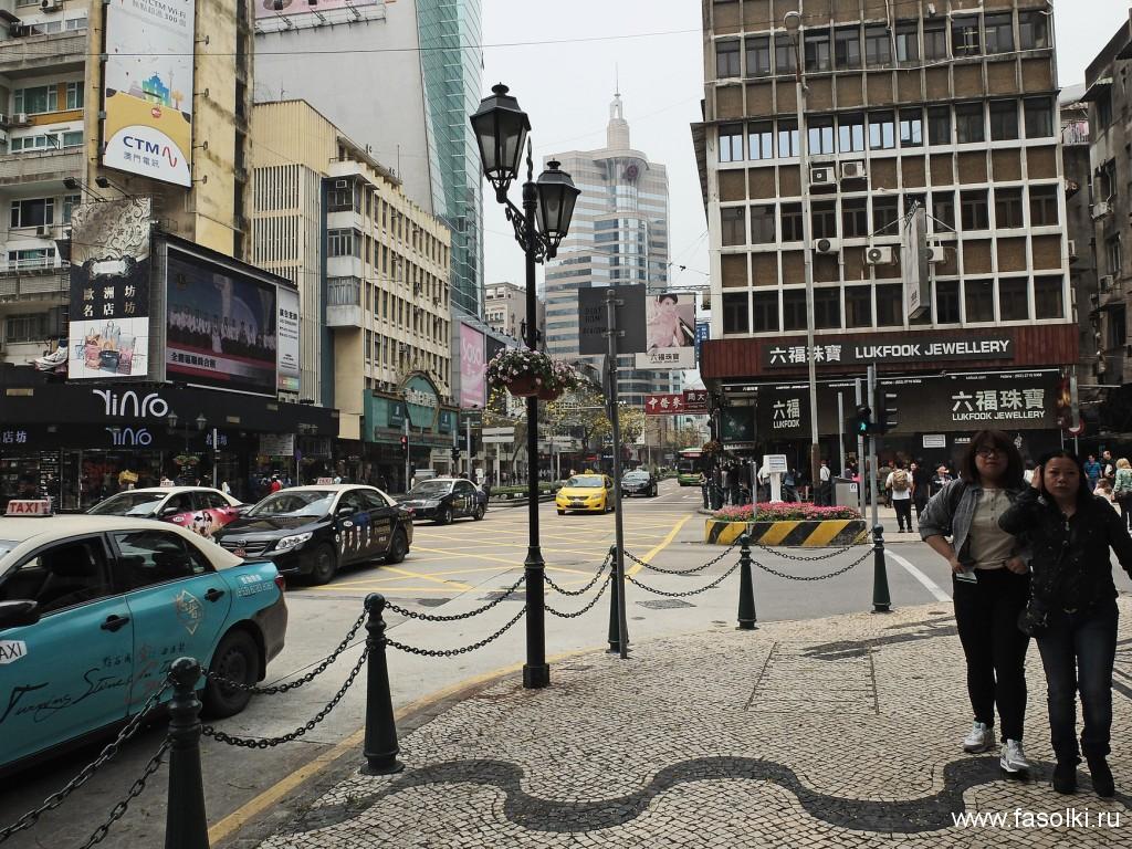 Avenida do Infante D. Henrique