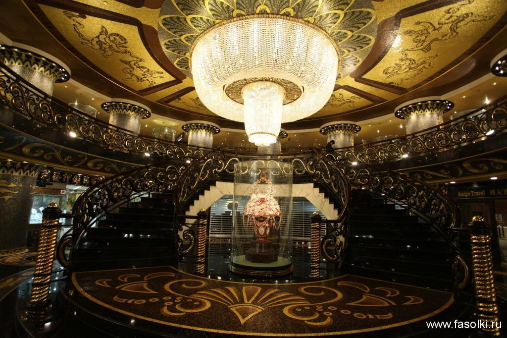 Холл отеля Лисбоа