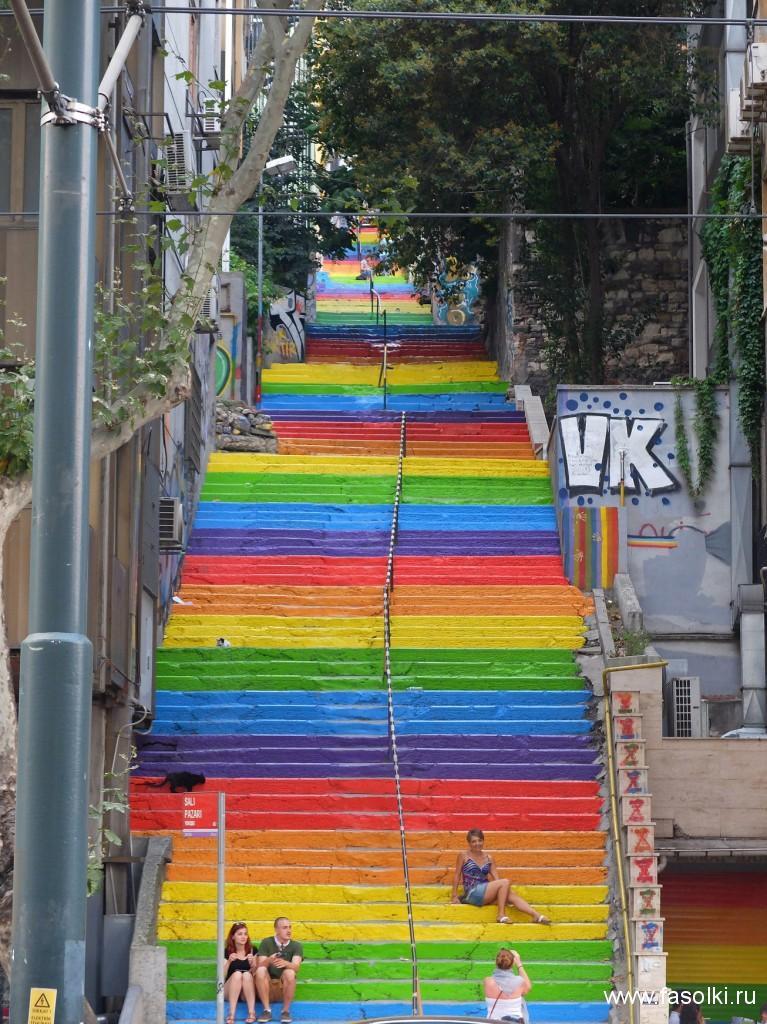 Лестница в районе порта Кабаташ