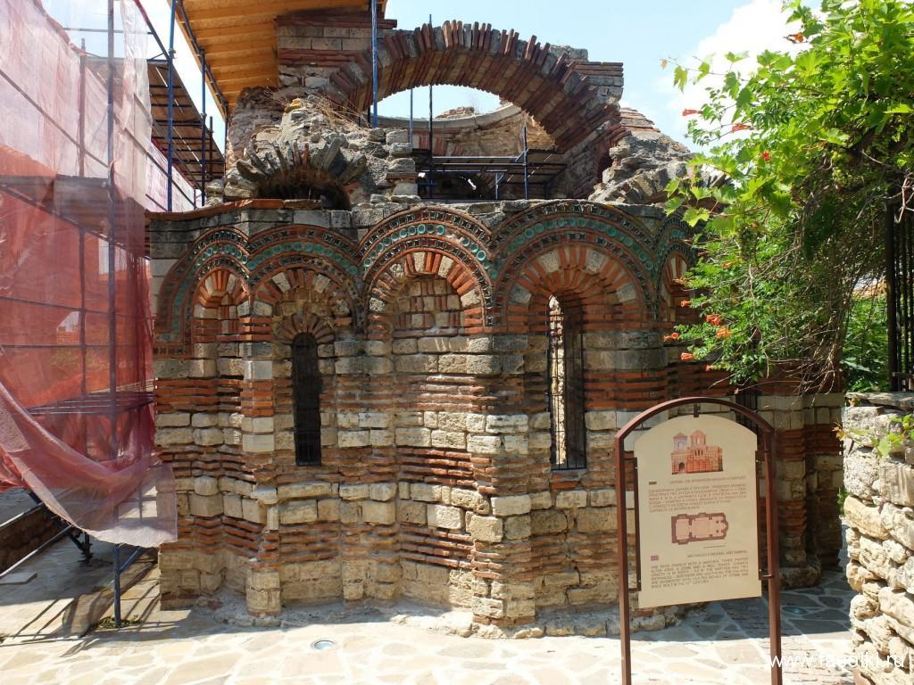 Церковь святых архангелов Михаила и Гавриила, XIII в.