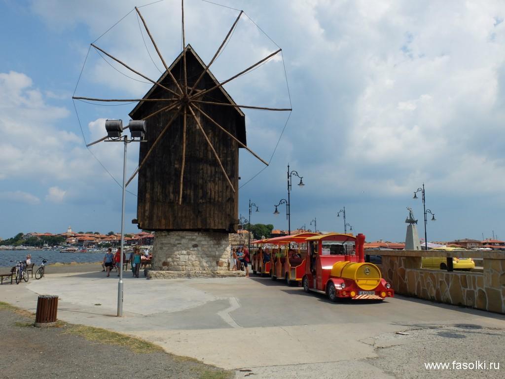 Туристический поезд отвезет вас в новый Несебр и далее в Солнечный берег